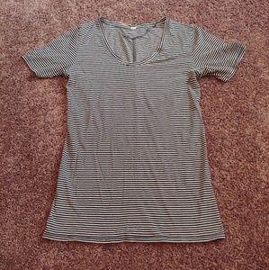 Underarmour black&white striped thin t-shirt